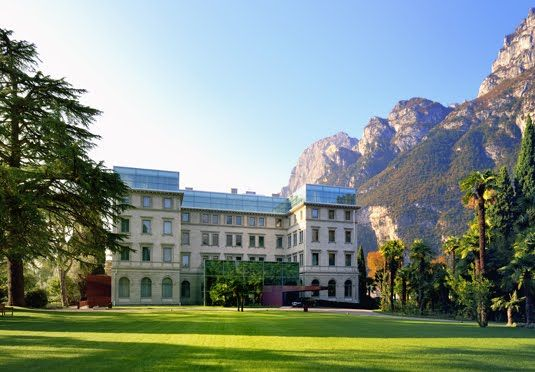 A glamorous five-star hotel overlooking Lake Garda, with breakfast and spa access