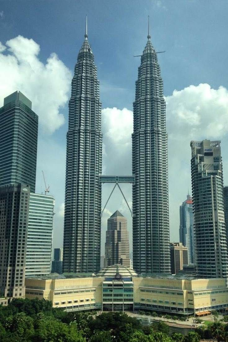 The Petronas Twin Towers, Kuala Lumpur #Travel