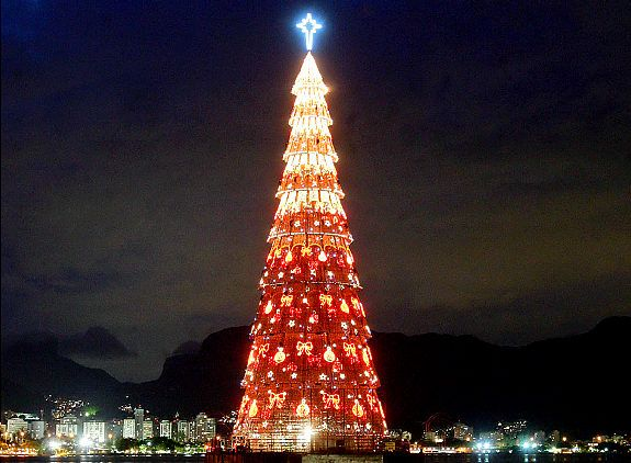 Best Christmas Around The World Images On Pinterest Christmas - The 6 craziest christmas displays around the world