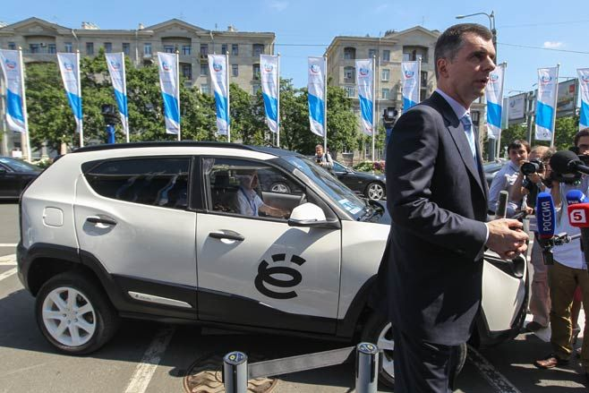 Billionaire Mikhail Prokhorov Ditches Yo-Mobile Hybrid Car Idea