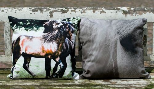 Cushion 40 cm x 40 cm with horses designed by Pernille Westh printed on organic cotton. The cushion has different print on each side. Both sides are shown.