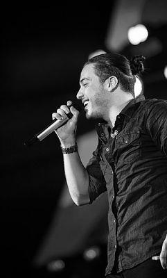 SOBRE O ARTISTA   O cantor Wesley Safadão não está no topo das paradas da música do Brasil por acaso. Sempre inovador, o artista é conhec...