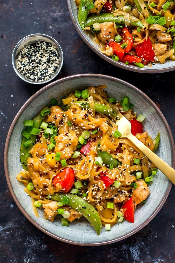 These Instant Pot Honey Sesame Chicken Noodle Bowls are a tasty Asian-inspired meal that will satisfy your cravings for takeout - just dump it all in the pressure cooker and dinner's ready in 20 minutes!
