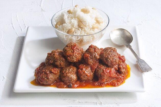 Σουτζουκάκια με ρύζι από την Αργυρώ Μπαρμπαρίγου | Ακολουθήστε τη συνταγή μου και εισπράξτε συγχαρητήρια για τα πιο ζουμερά και νόστιμα σουτζουκάκια!