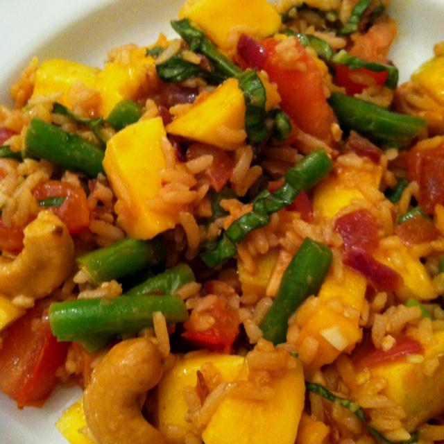 Healthy Vegan Thai Mango Cashew Fried Rice - yumm!!