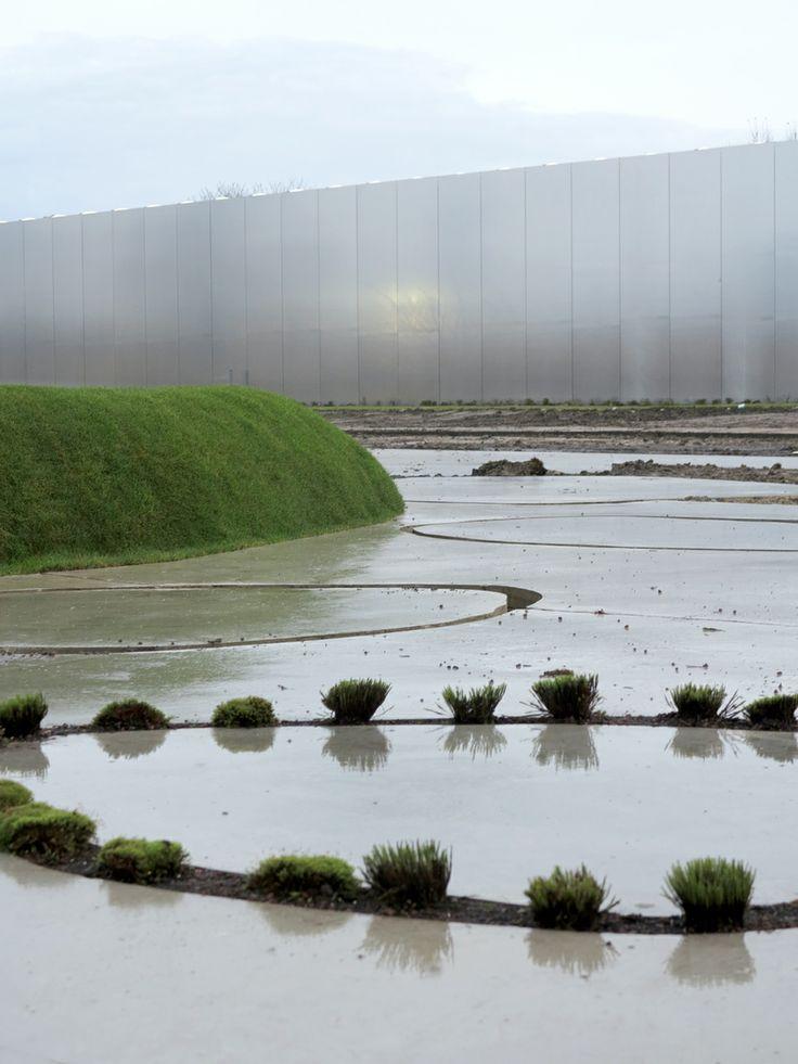 Louvre Lens SANAA - by SANAA Kazuyo Sejima & Ryue Nishizawa. Photo: Christian Schittich. PUBLIC LANDSCAPES