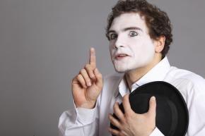 Dersom du kunne tenke deg å bli skuespiller, eller utvikle deg videre som scenekunstner, er kursing en fin måte å gjøre det på. Vi skal derfor i denne artikkelen se nærmere på hvilke valgmuligheter det er av kurs for skuespillere. Norsk Skuespillersenter Bor du i Oslo har du tilgang til subsidierte seminarer og workshops fra …