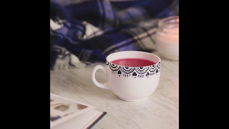 dibujar tazas con marcador indeleble y hornearlas