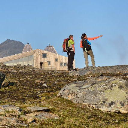 Auf keine Art und Weise kann man die Natur Norwegens so sehr bestaunen wie beim Wandern. Ob an den Fjorden der Westküste, in Mittelnorwegen oder im hohen Norden. Auch die mächtigen Gletscher des Landes können so entdeckt werden ☺  Google+