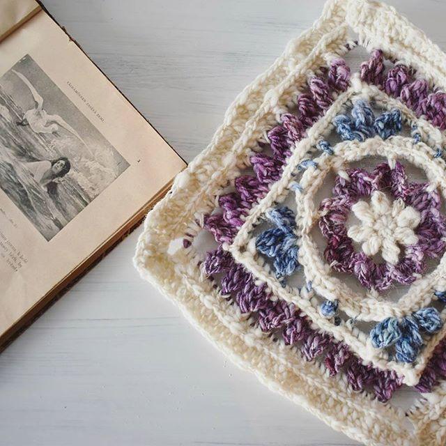 #kalevalacal progress: Ilmatar, a virgin spirit of the air. I love the illustrations in the old czech edition of the epic. They're by Viktor Oliva, a great art nouveau painter. I can't deny my art history degree #kalevalacal_ilmatar #kalevala #Finland #finnish #scandinaviandesign #reading #arthistorynerd #crochetgirlgang #crochetcrazy #virka #virkkaus #haken #hakeln #crochetastherapy #instacrochet #handspunyarn #matyldasbarn