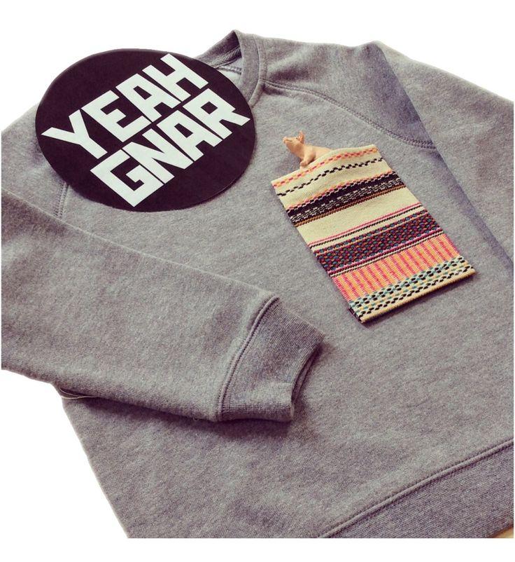 Big Pocket Sweater - Poncho / Yeahgnar