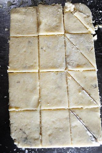 petite vanilla bean scones