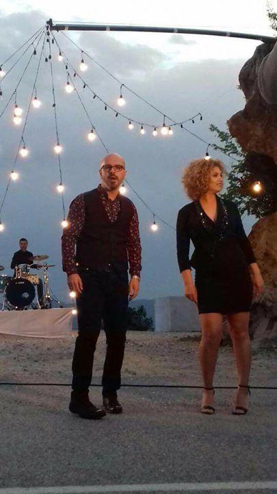 """""""Sa fort të du"""": Është kënga më e re e këngëtarit të mirënjohur Sidrit Bejleri me muzikë e tekst nga Sidriti    interpretuar nga ai vetë dhe kolegia e tij me të cilën përbën një dyshe profesionale të njohur tashmë Denisa Gjezo.  Denisën e kemi sot të pranishme në Albania News. Intervistoi: Adela Kolea  http://ift.tt/2xIpqbs - http://ift.tt/1HQJd81"""