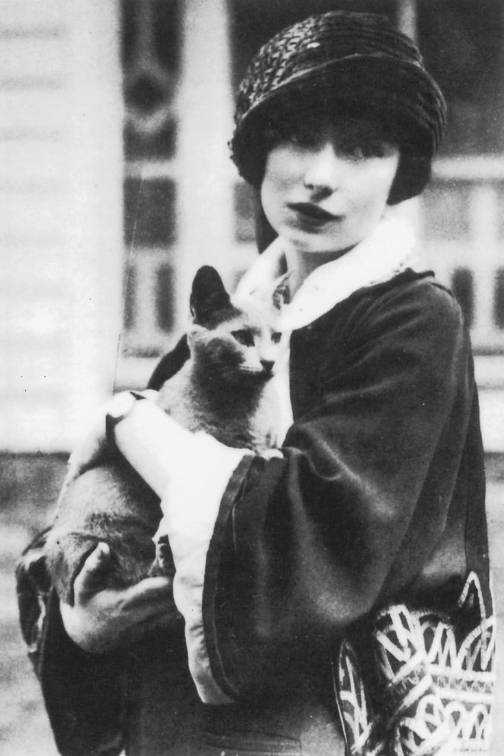"kittencrimson:  "" Margaret Mitchell  ""  Every woman needs her Pywacket"
