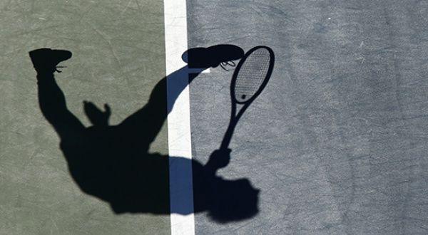 L'ombre de Richard Gasquet sur le court central de l'US Open, le 4 septembre 2013. REUTERS/Eduardo Munoz