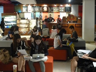 Exploring Learning Spaces and Libraries in Asia: University of Hong Kong - Global Lounge
