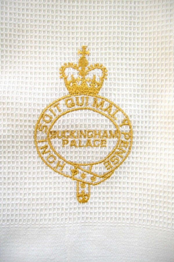 Must shop. Tea Towel Buckingham Palace London Gold Royal Crest Waffle Weave New