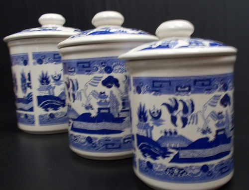 vintage blue willow canister set lot 3 with lids kitchen counter storage orient ebay. Black Bedroom Furniture Sets. Home Design Ideas