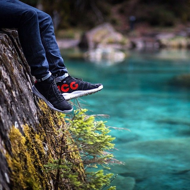 The good lad @pangeaproductions is chilling in his @Nikelab #Flyknit Trainer #chukka ACG. Superb shot by @felix habitus . Hashtag #sneakersaddict & #sadp for a shoutout. #SneakersAddicDailyPic #Nike #Nikelab #FlyknitTrainerChukka #ACG #👟💊 #kicksoftheday #puma #sneakernews