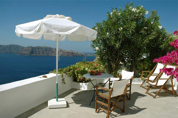 http://www.santorini-hotel-apartments.com Strogili Apartments Hotel in Oia, Santorini - A private veranda