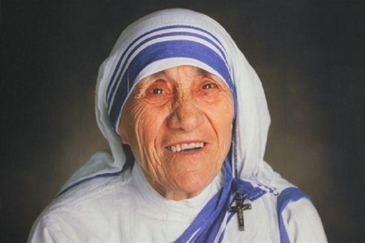 El Papa proclama santa a la fundadora de las Misioneras de la Caridad ante…