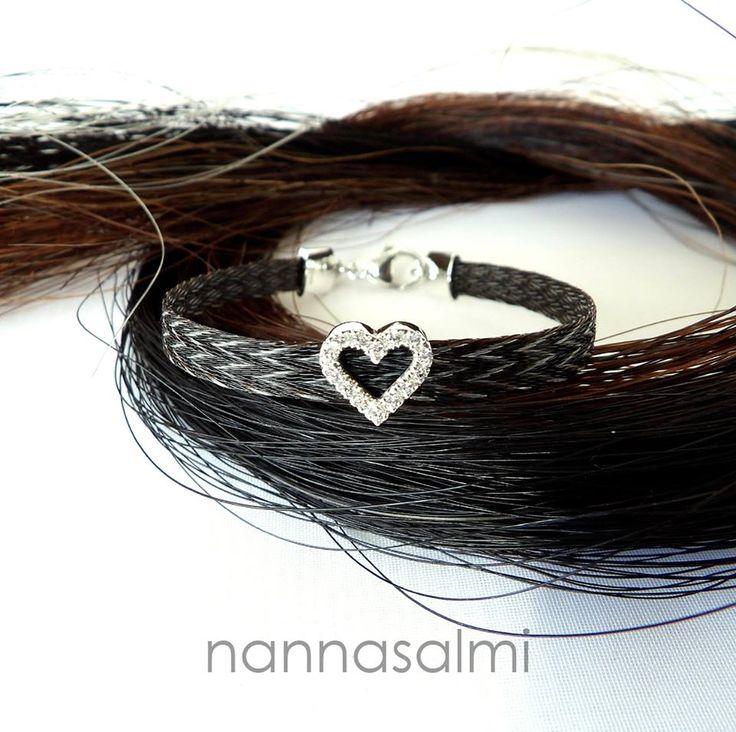 Bracelet Puella Star, woven ribbon made with your own horse´s hair www.nannasalmi.com www.nannasalmi.fi