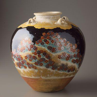 Tea pot made by Ninsei Nonomura.(17th century , JAPAN)  野々村仁清
