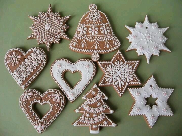 Zuckerguss Lebkuchen/à transposer en porcelaine froide ou bois+ dentelles&broderies anciennes de récup+peinture à cerner/DB