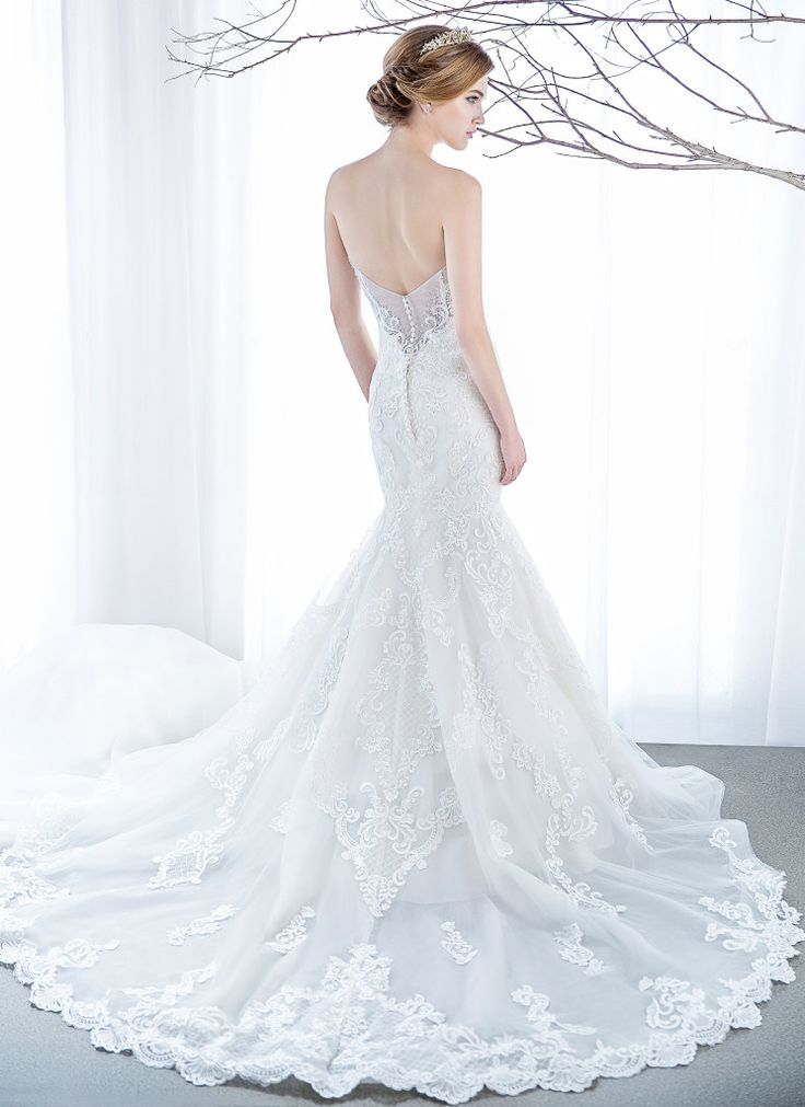 Elegant mermaid gown | Wedding Dresses|  Bridal Boutique Singapore | Wedding Gown Singapore | Wedding Dress Singapore | Wedding Package Singapore | Wedding Gown Rental | Wedding Gown Purchase