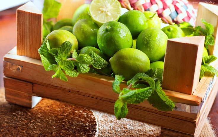 Owoce, Skrzynka, Zielone Limonki, Listki, Stół
