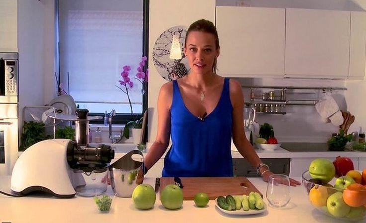 Retete sanatoase pentru un suc verde delicios - Andreea Raicu
