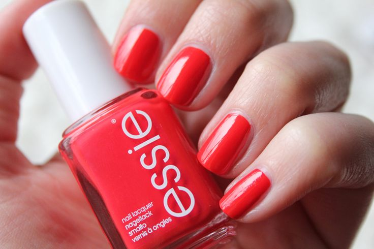 Nail Polish of the Moment: Essie Hip-Anema (what a terrible name for such a beautiful color).
