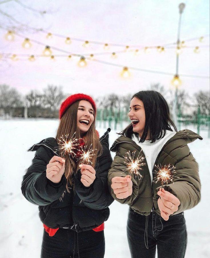 Зимние фотосессии на улице с подругами оптико-акустические