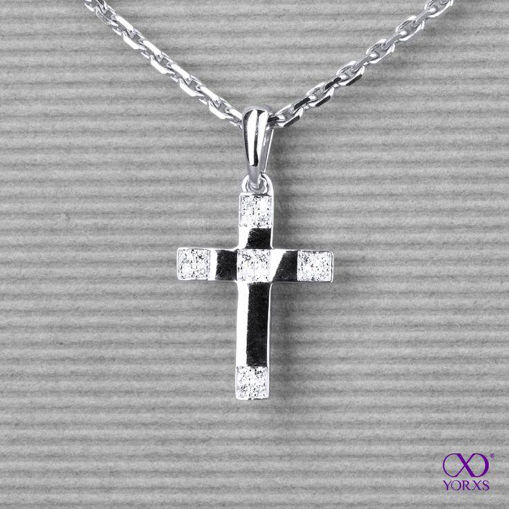 Diamond cross in whitegold! #anhänger #pendant #diamanten #diamantanhänger #diamanten #brillanten #yorxs