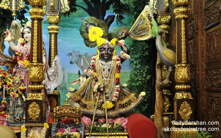 To view Gopal Wallpaper of ISKCON Chowpatty in difference sizes visit - http://harekrishnawallpapers.com/sri-gopal-wallpaper-010/