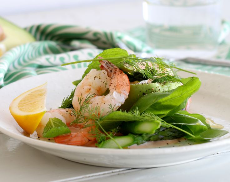 Prawn, Avocado & Asparagus Salad – Serves: 4 This fresh spring salad ...