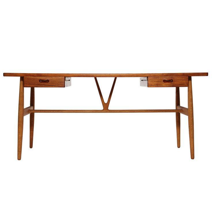 the Wishbone Desk by Hans Wegner