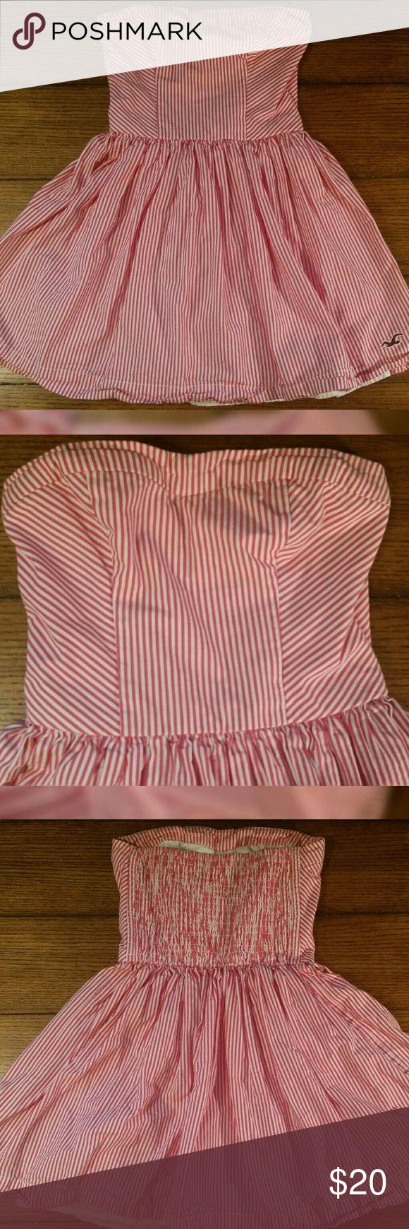 XS Cotton Pink Stripe Strapless Hollister Dress XS Pink Candy Cane Stripe Strapless 100% Cotton Hollister Dress Hollister Dresses Strapless