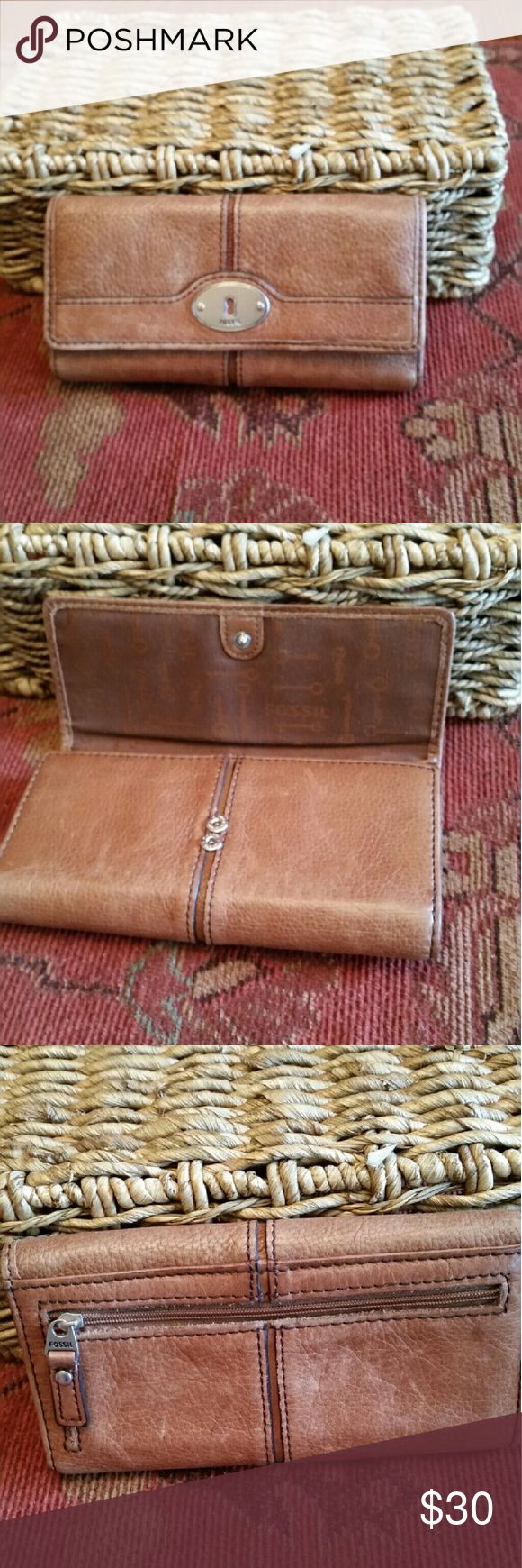 Womens Fossil Brown Leather Wallet Soft light brown leather wallet in VGC Fossil Bags Wallets large leather wallet similar to this