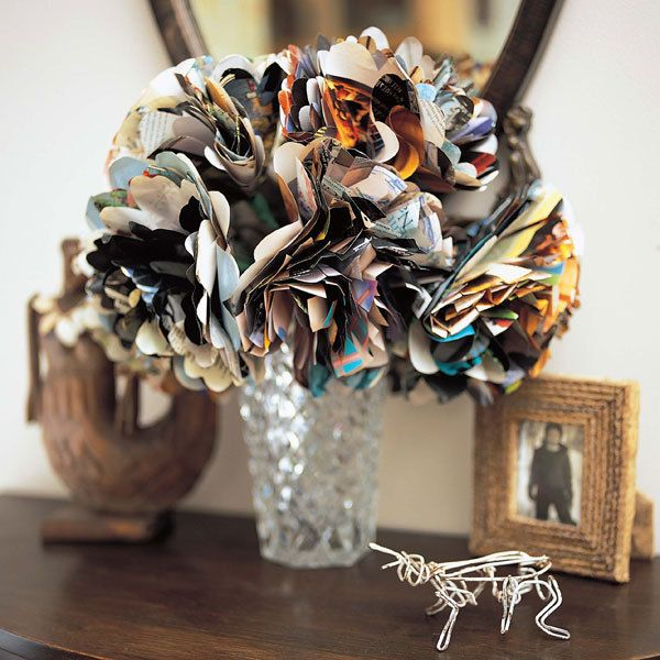 magazines flowers--because what the heck does one DO with old mags? Reduce, reuse, upcycle, people.