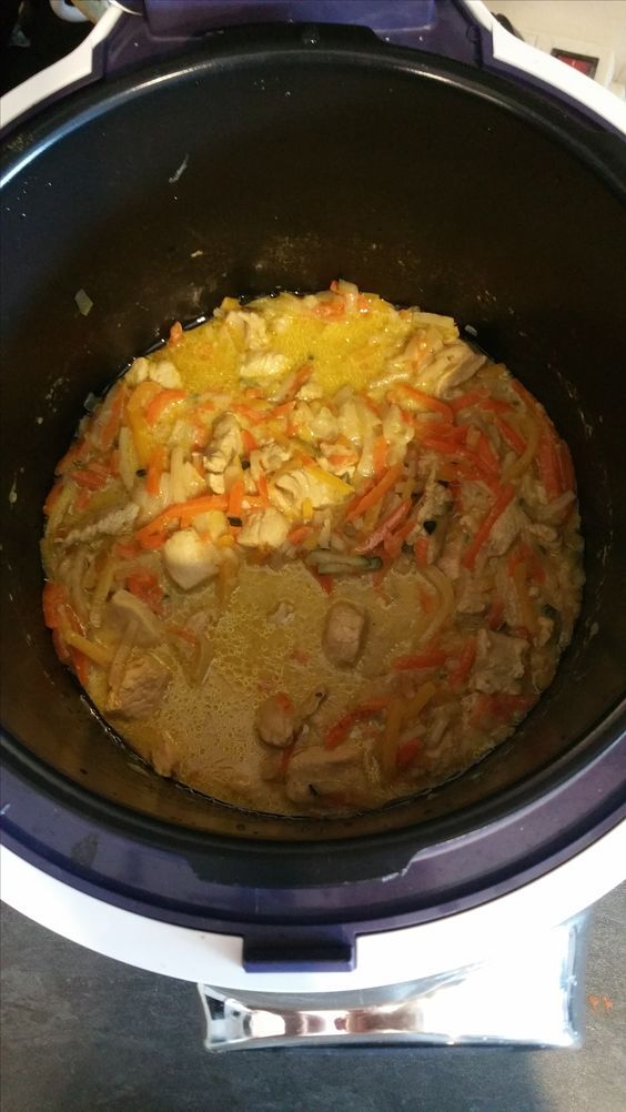 Émincés de Poulet au curry et sa Julienne de Légumes | Recettes Cookéo