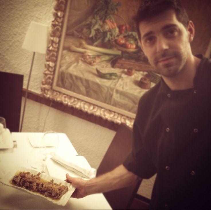 @borja_pastor y los Bocartes del Cantábrico escabechados... de puerto de mar!  www.restaurantecasalucio.com