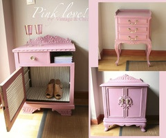 Pink accent pieces.