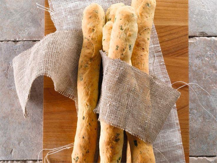 Juustogrissinit sopivat sellaisinaan syötäviksi alkujuoman tai boolin kanssa esimerkiksi illanistujaisiin tai tupaantuliaisiin. Grissinit sopivat myös keittojen lisäkkeeksi.