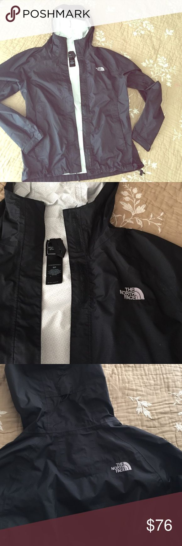 North face jacket It's very cute, good condition has lots of pockets North Face Jackets & Coats