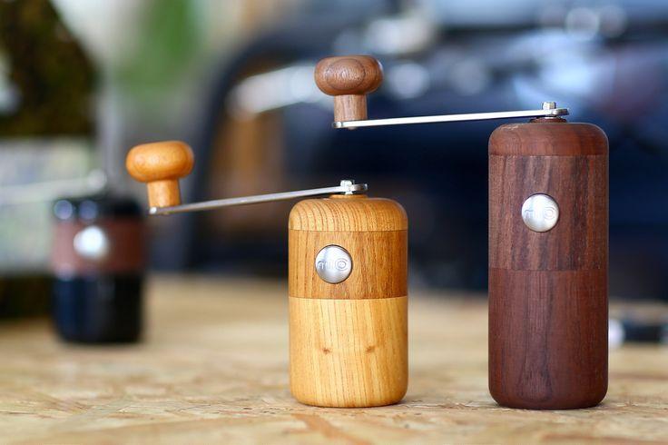 木目が美しいセラミックコーヒーミルmilcoミルコで挽きたての珈琲を味わおう
