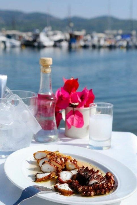 award wining taverna restaurant with great reviews at Neos Marmaras, Halkidiki