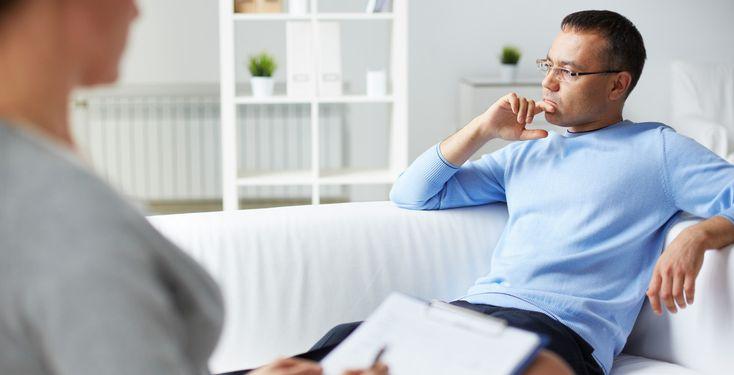 Psychotherapie lohnt, ist aber zu bürokratisch - TK-Studie - Bei immer mehr Menschen werden psychische Störungen diagnostiziert. Depressionen, Angst- und Belastungsstörungen haben immer größeren Anteil an Krankschreibungen.