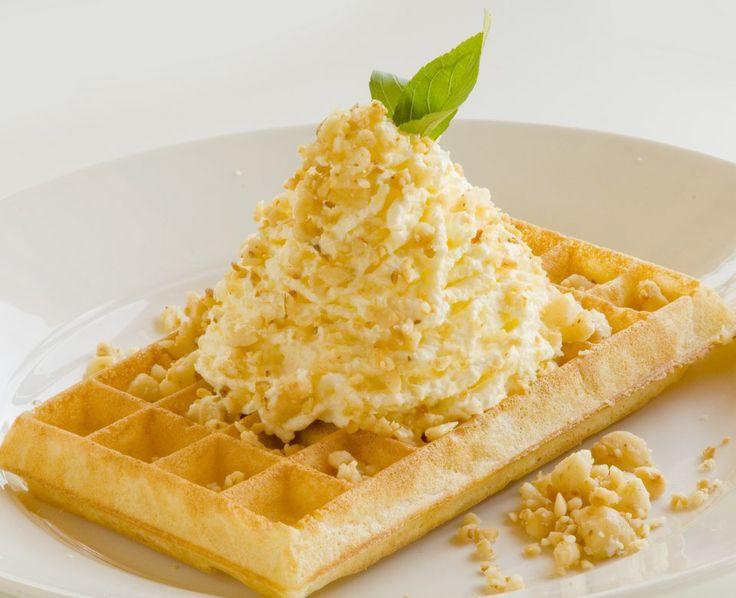 Macadamia Waffle from the Waffle House