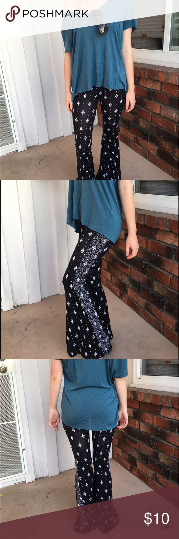 Bell Bottom Leggings These fun, 80' inspired leggings are extra comfy. Perfect for lounging around the house or next year @ Coachella! Partly see-through, so a long shirt is recommended LA Hearts Pants Boot Cut & Flare